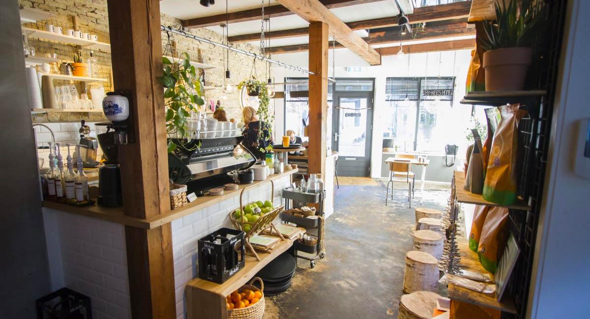 Bedrijfsfotografie op locatie voor onze Facebookpagina Winkels Heerenveen