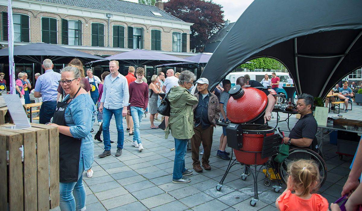 Drukte op het plein bij Fryske Grillmaster 2018