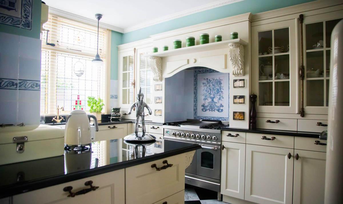 Prachtige keuken in beeld gebracht met bedrijfsfotografie